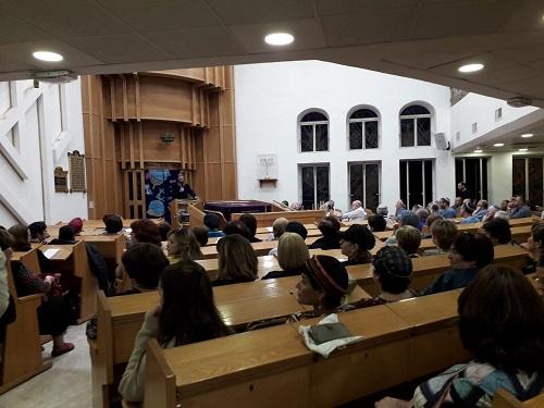 מאות בהרצאה של ′יסודות′ - המרכז היהודי למשפחה