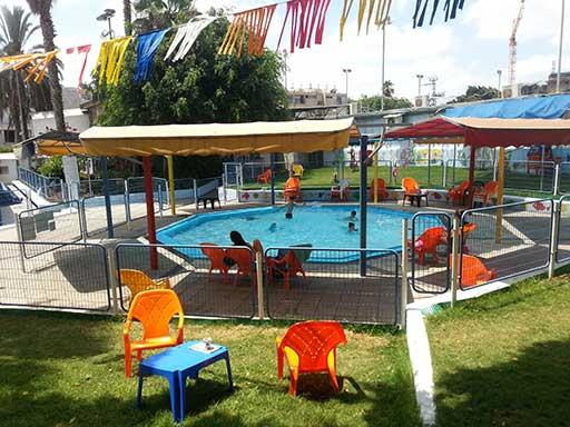 """שוחים ללא כימיקלים , עידן חדש במועדון ′ספורט במושבה′ בפ""""ת"""