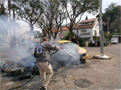 """שריפת חמץ שלא במקום המיועד, גרמה לשריפת מכונית בפ""""ת"""
